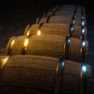 Wijn rijping in eiken vaten