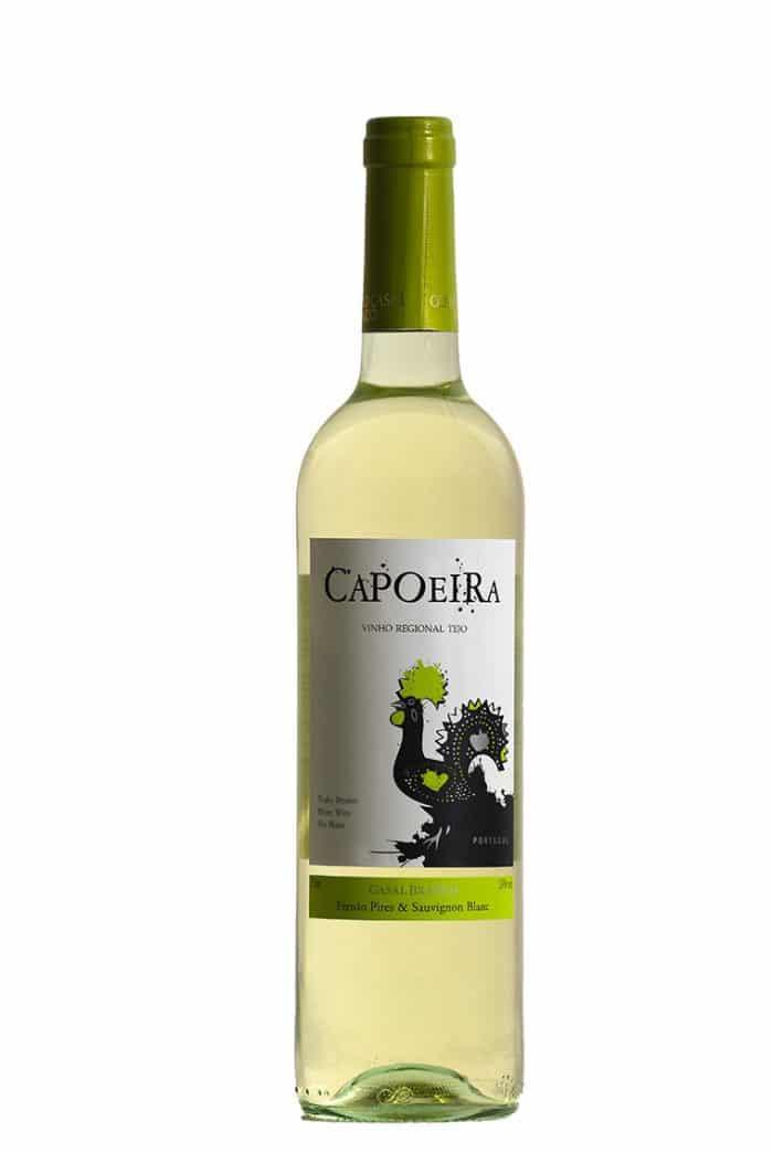 Capeoira branco   Portugal   gemaakt van de druif: Fernão Pires, Sauvignon Blanc